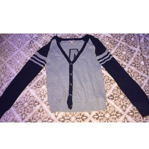 Low v neck cardigan